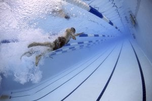 Pixabay mejor hora del día nadar piscina