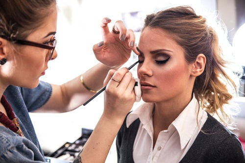 6 trucos muy sencillos para maquillarse