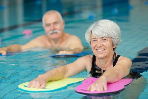 Natación terapéutica: conociendo la natación
