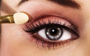 sombras según tu color de ojos