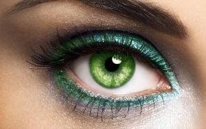 Ojos verdes sombras verdes