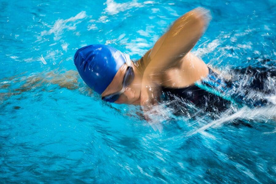 Cómo ganar velocidad de nado