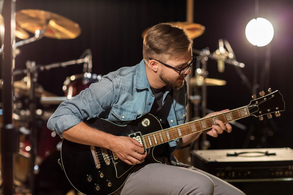 Ergonomía y prevención de lesiones en guitarristas