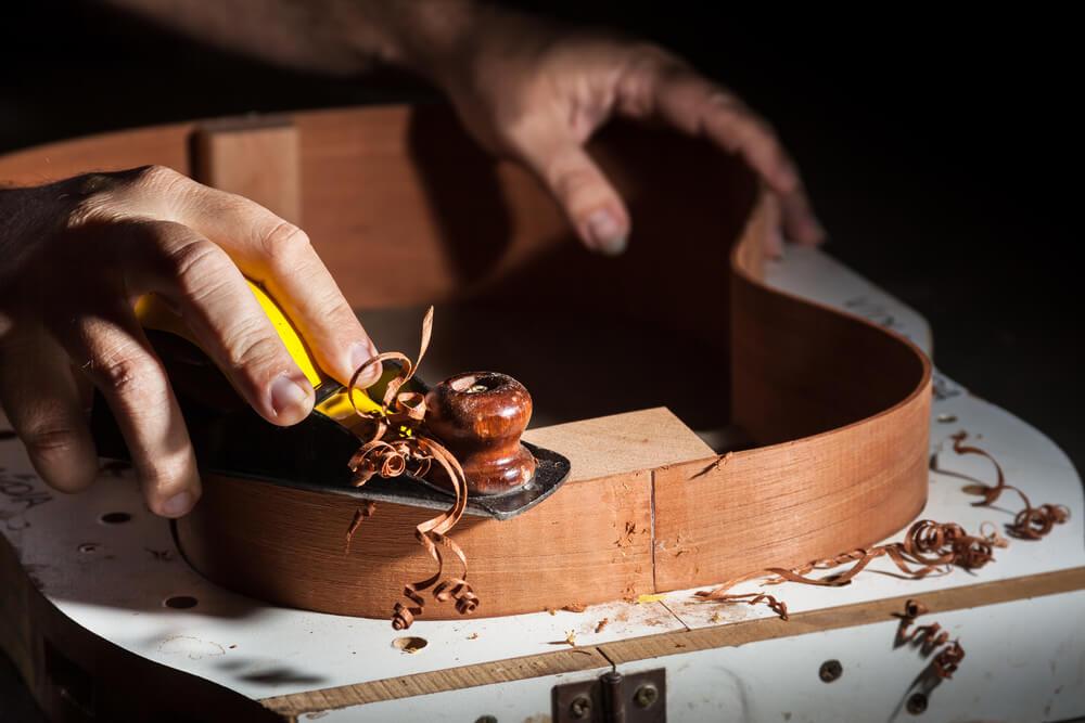 Proceso de fabricación de una guitarra