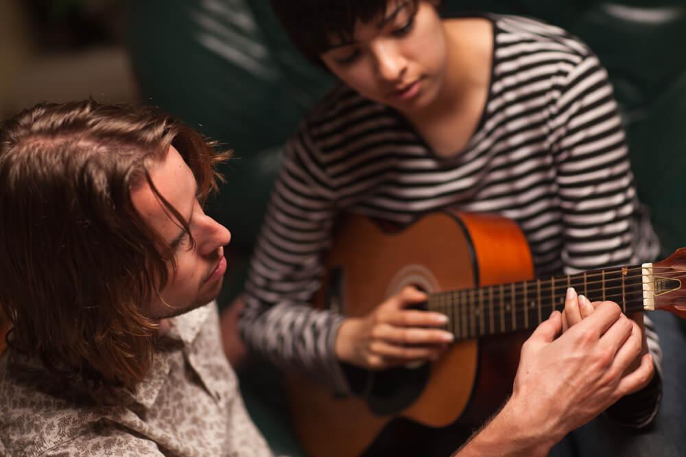 Cómo estudiar bien para tocar mejor la guitarra