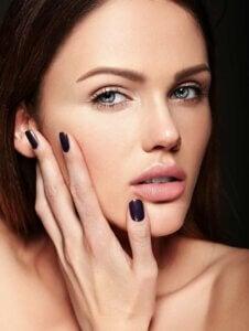 Maquillaje romántico para videollamadas