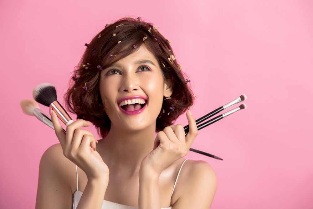 ¿Sabes para qué sirve cada una de las brochas de maquillaje?
