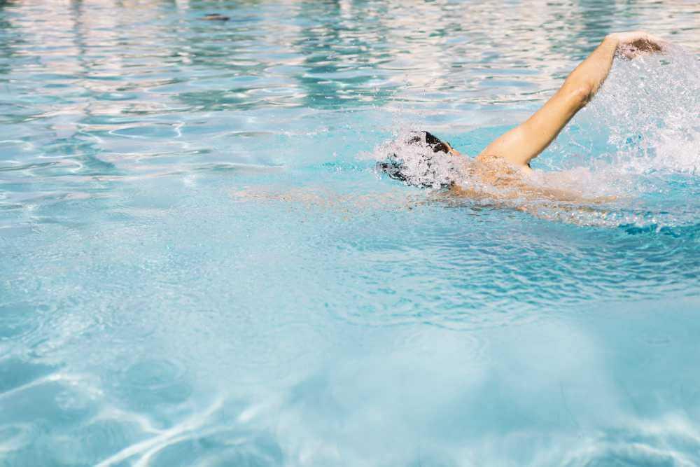 Estilo libre o crol: conociendo la natación