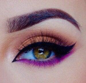 Eyeliner fucsia