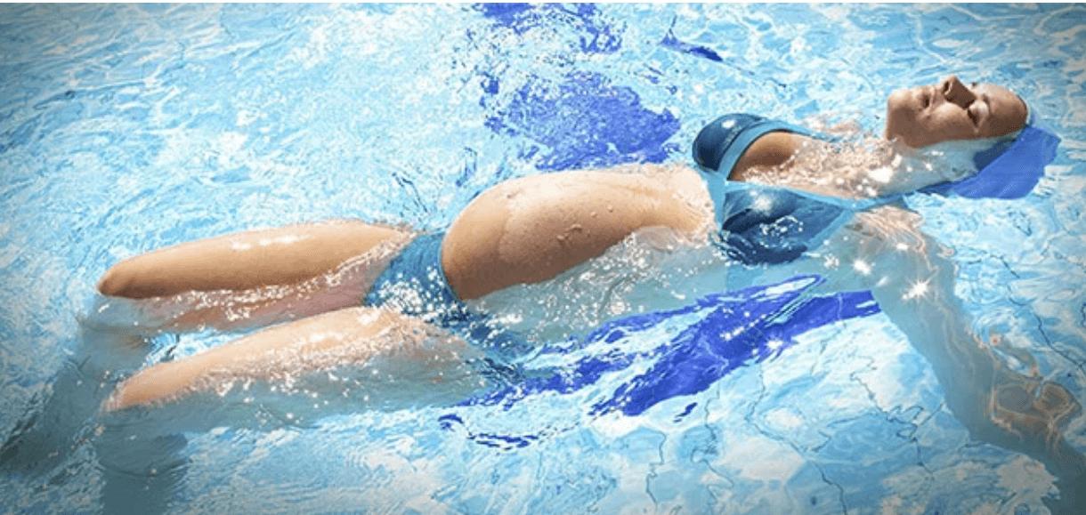 Lo que deberías saber sobre la natación para mujeres embarazadas