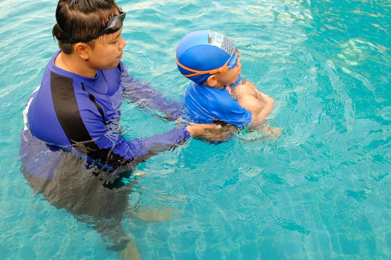Los primeros pasos en la enseñanza de la natación