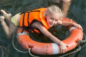 ¿Cómo prevenir un ahogamiento dentro de la piscina?
